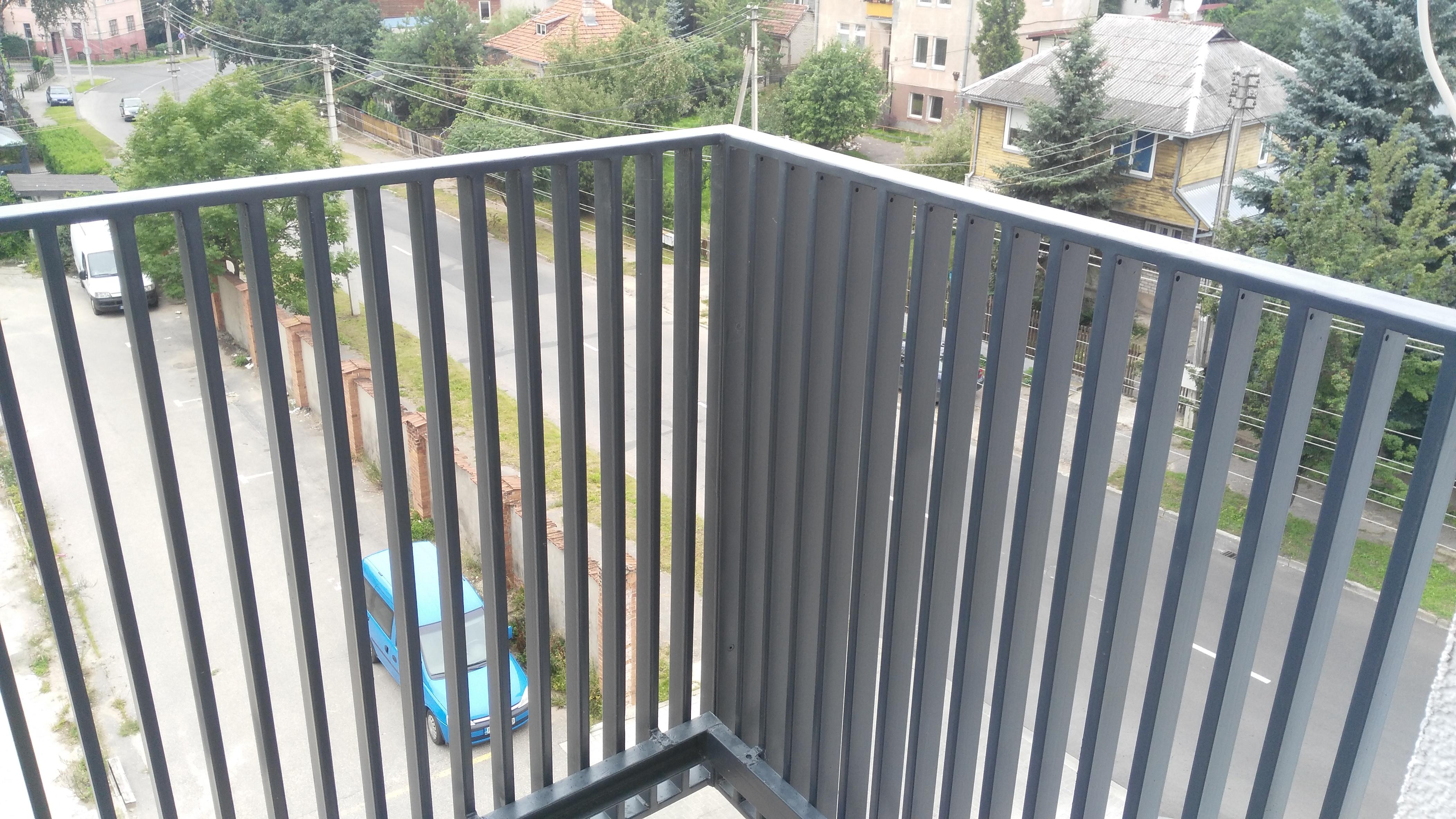 Cinkuotas turėklas balkonui