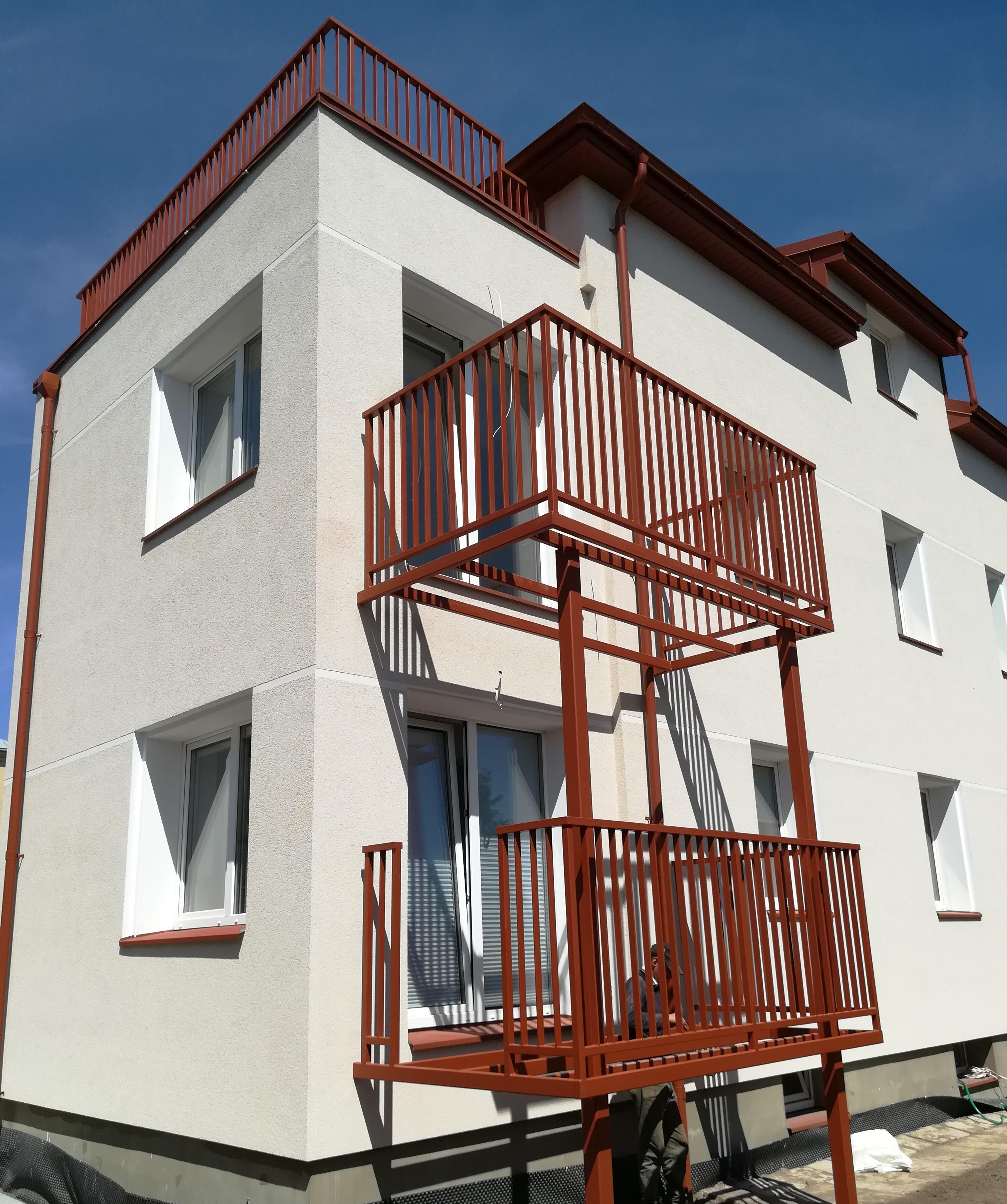 Balkonų konstrukcija ir turėklai