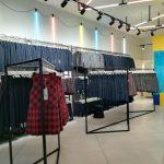 Rūbų kabyklos parduotuvei